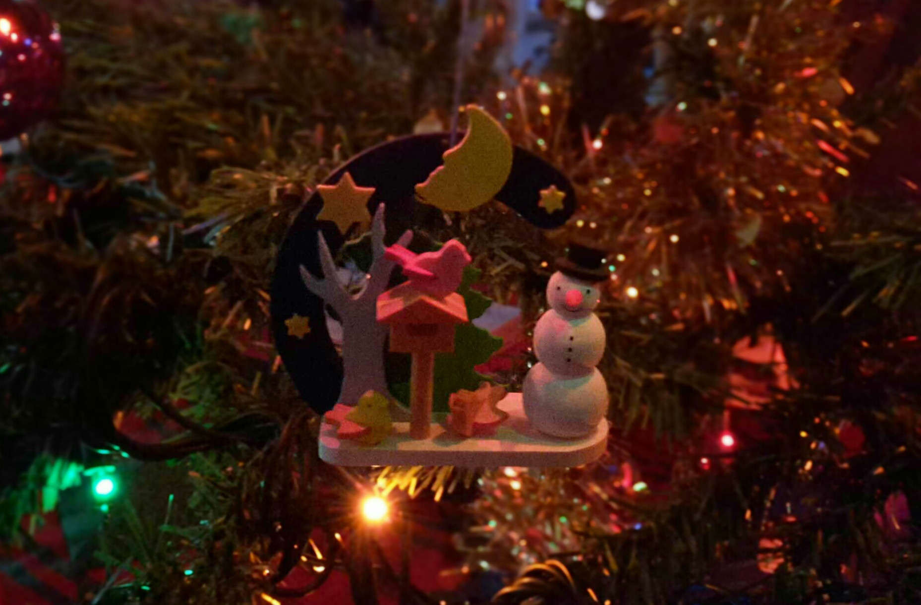 A pretty decoration from my Christmas tree! :D